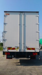 4tトラック 9.6m バン